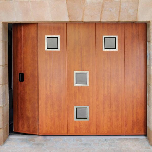 puerta peatonal lateral